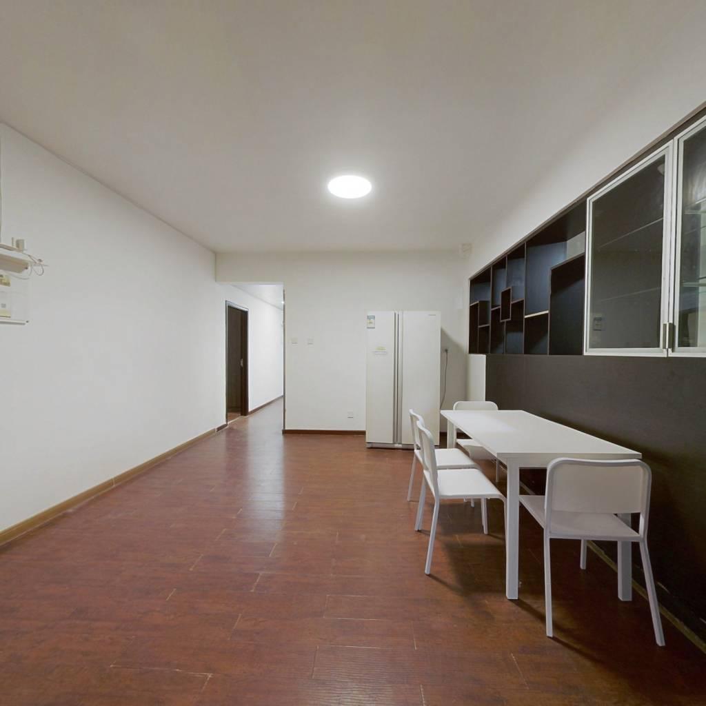 合租·恒立心海湾花园 5室1厅 东卧室图
