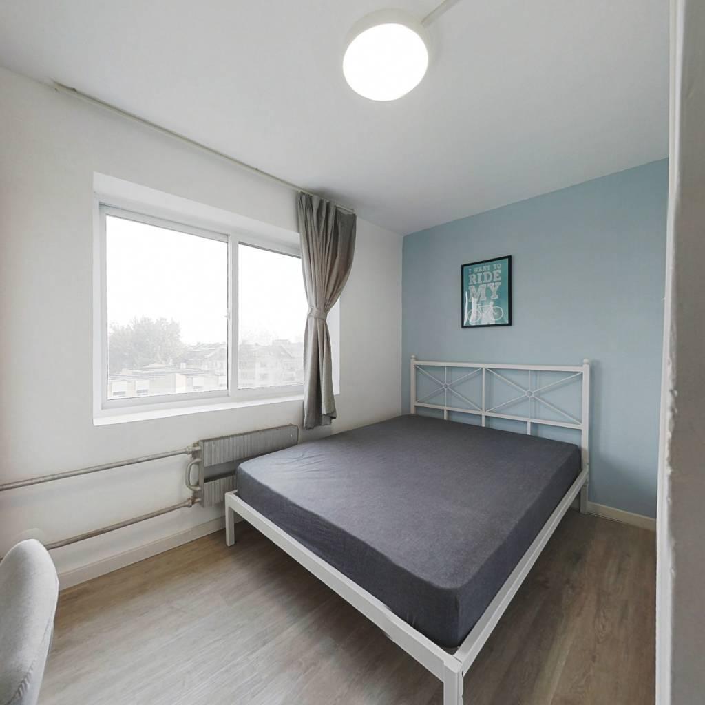 合租·六合园 3室1厅 南卧室图