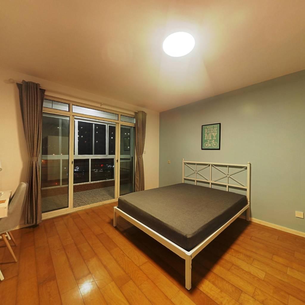 合租·同方锦城(C区) 4室1厅 南卧室图