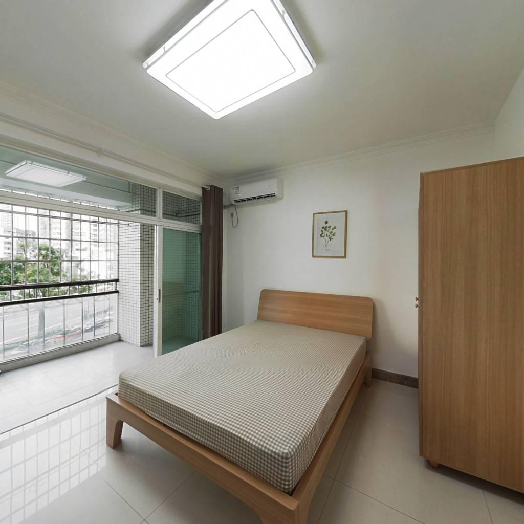 合租·四季花园 4室1厅 东卧室图