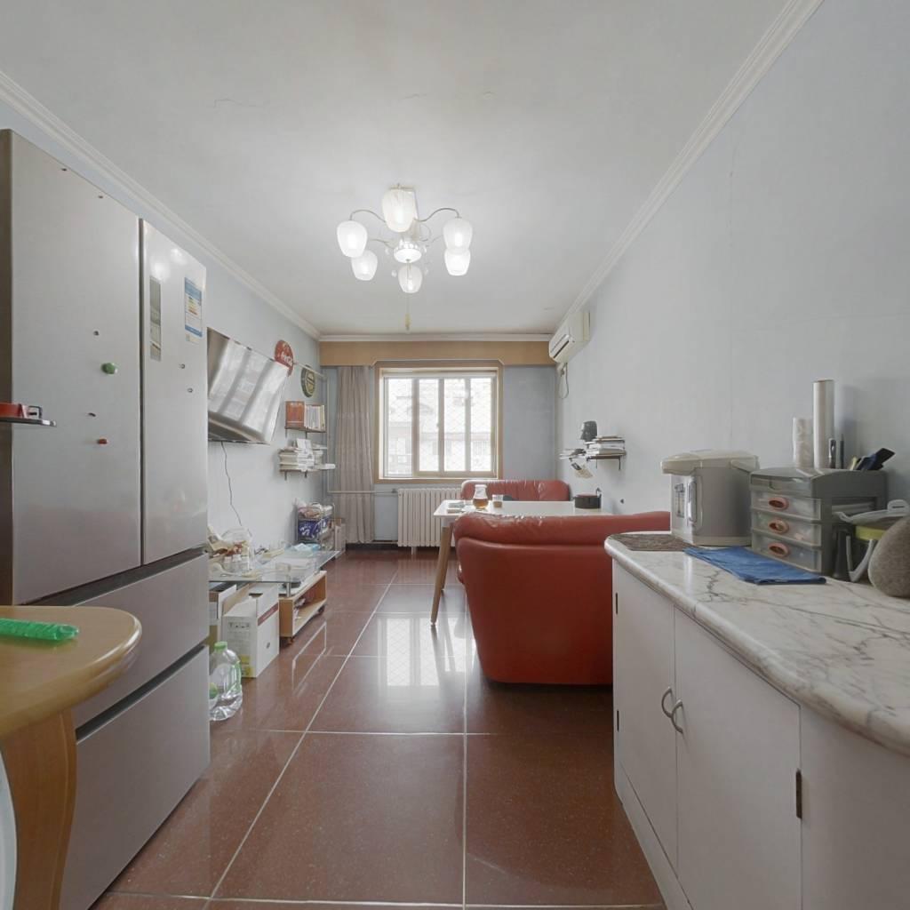 满五年公房 南北通透 复式三居室 多个储物间