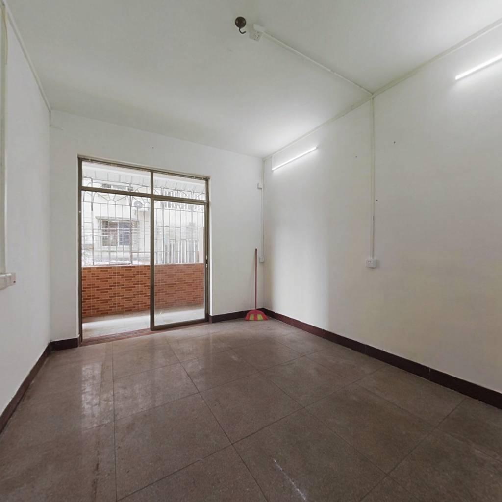 西站三街实用两房 随时看房 业主诚意售出
