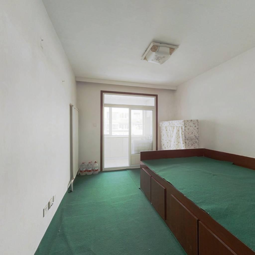 大黑山脚下松苑小区 一室精装小户型 看房有钥匙
