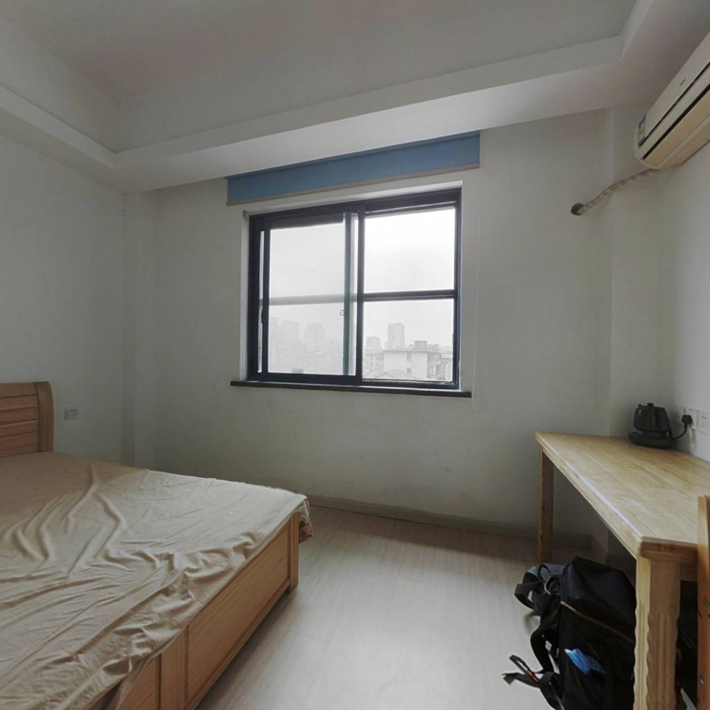 金鼎广场 1室1厅 西