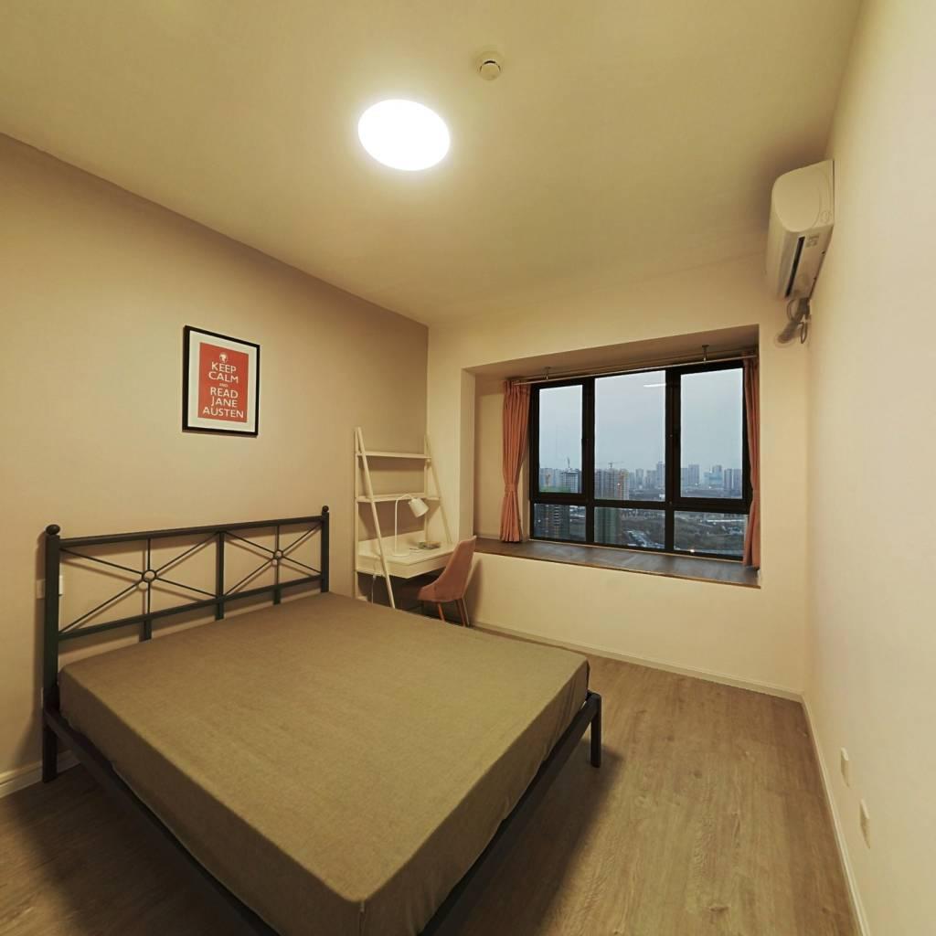 合租·中房优山PLUS 4室1厅 东北卧室图