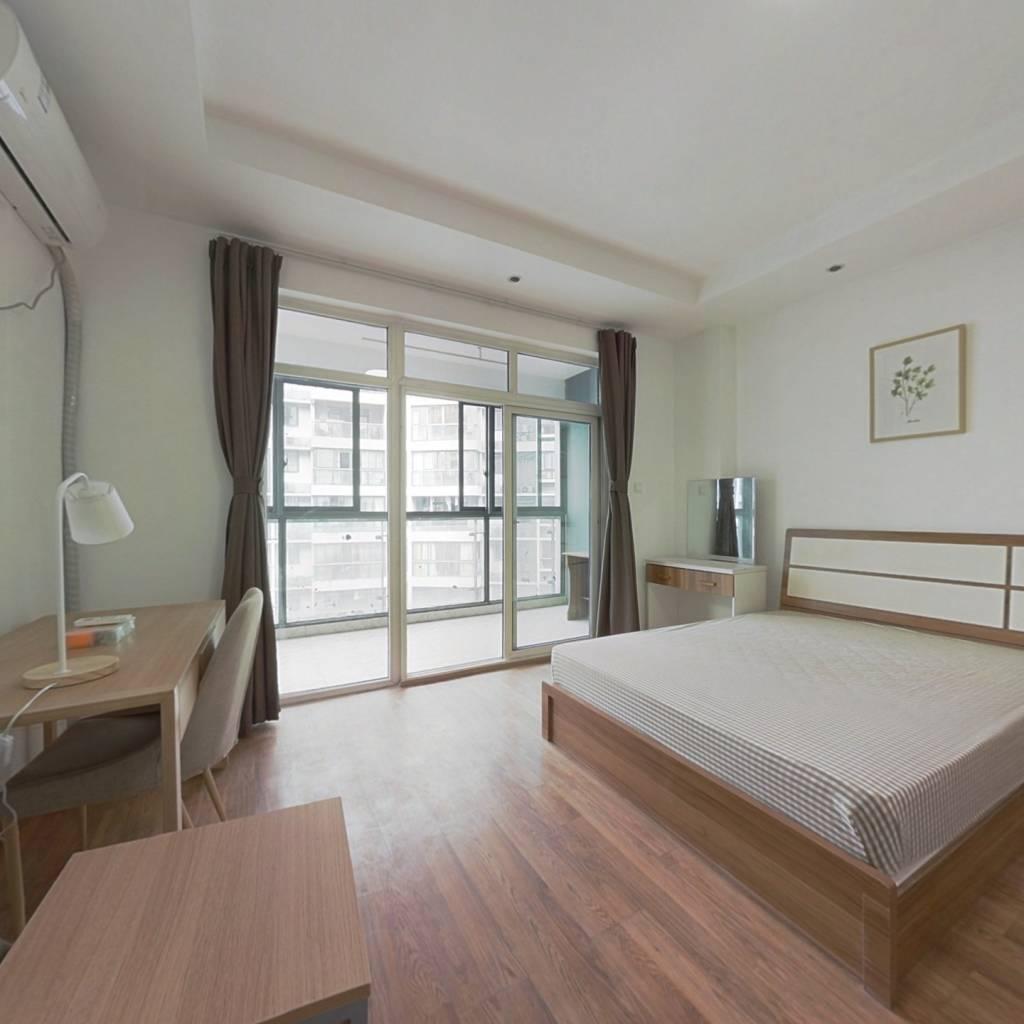 合租·金地嘉年华城B区 4室1厅 西卧室图