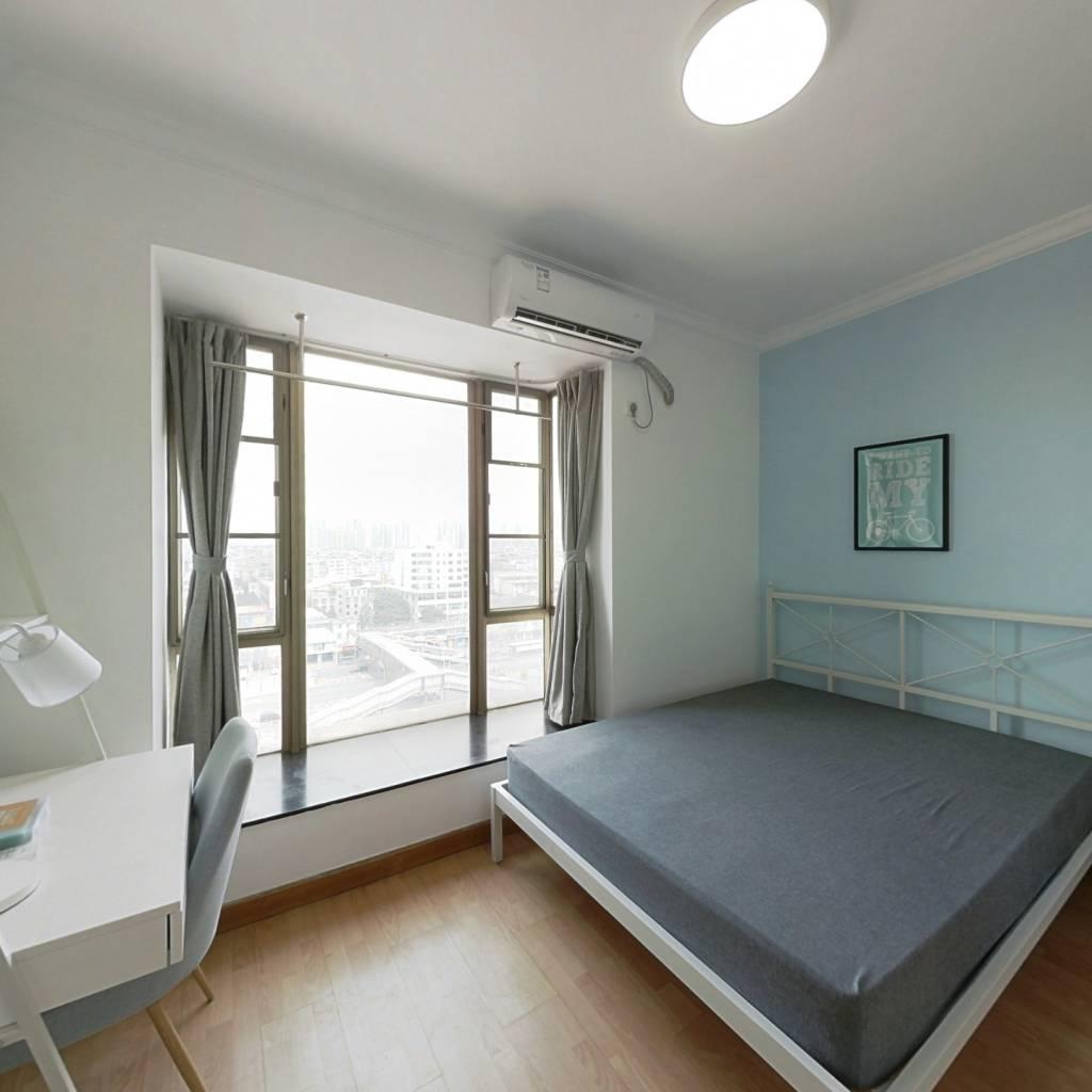 合租·骏景花园 3室1厅 南卧室图
