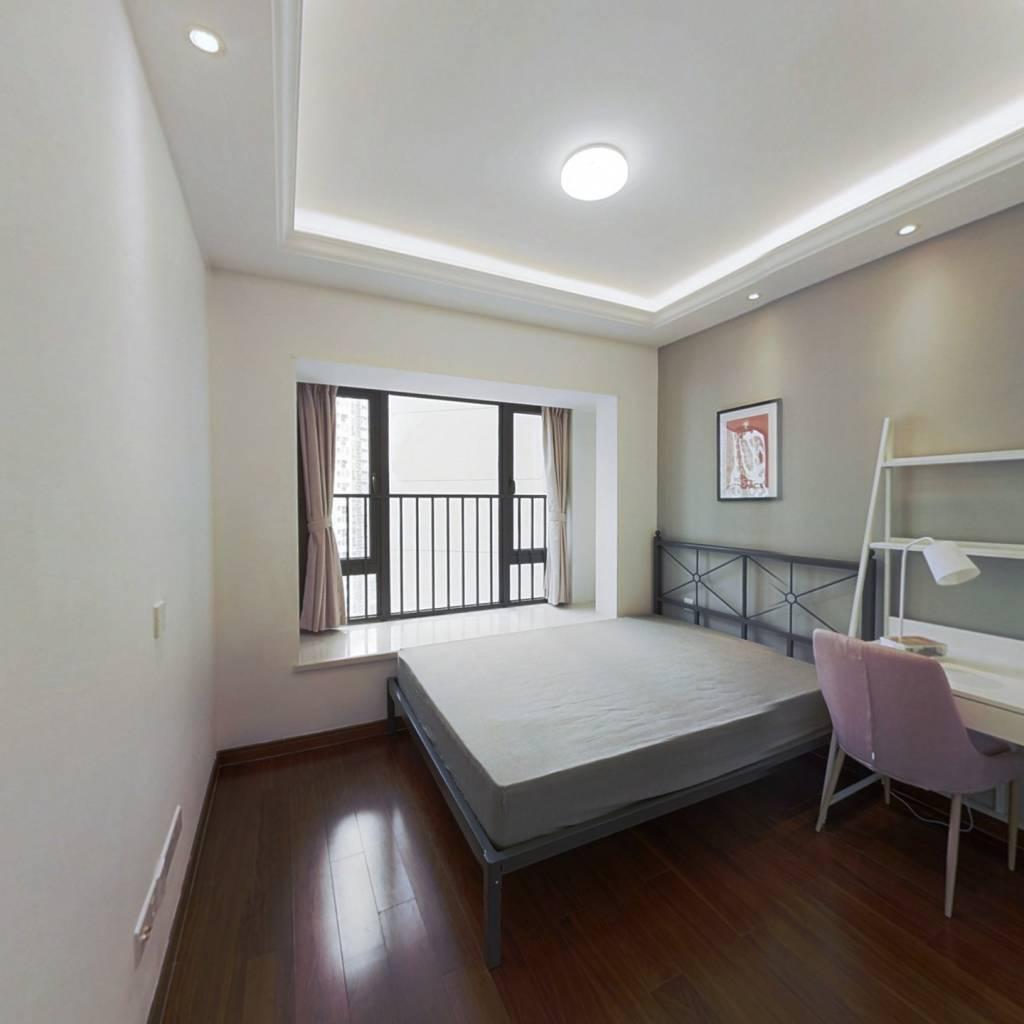 合租·龙光玖龙玺北区 5室1厅 西卧室图