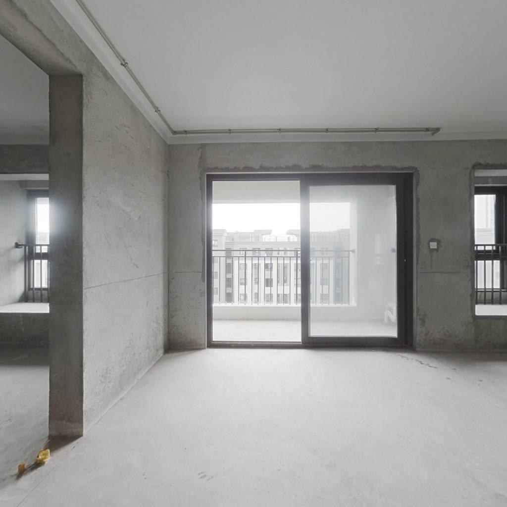 漫悦湾全新毛坯交付,中庭位置不靠马路