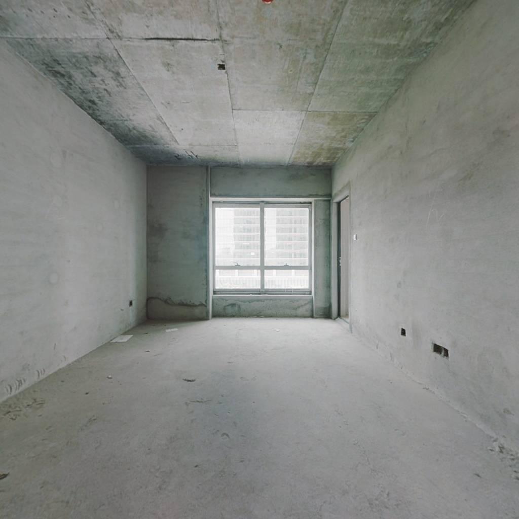 华贸铂金府  三房两厅 生活方便 看房方便