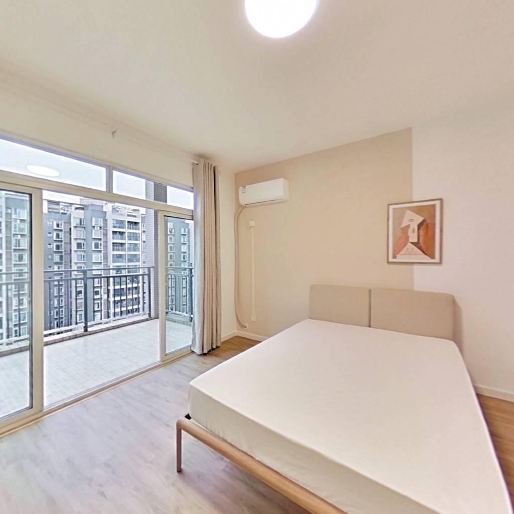 合租·逸都国际 4室1厅 北卧室图