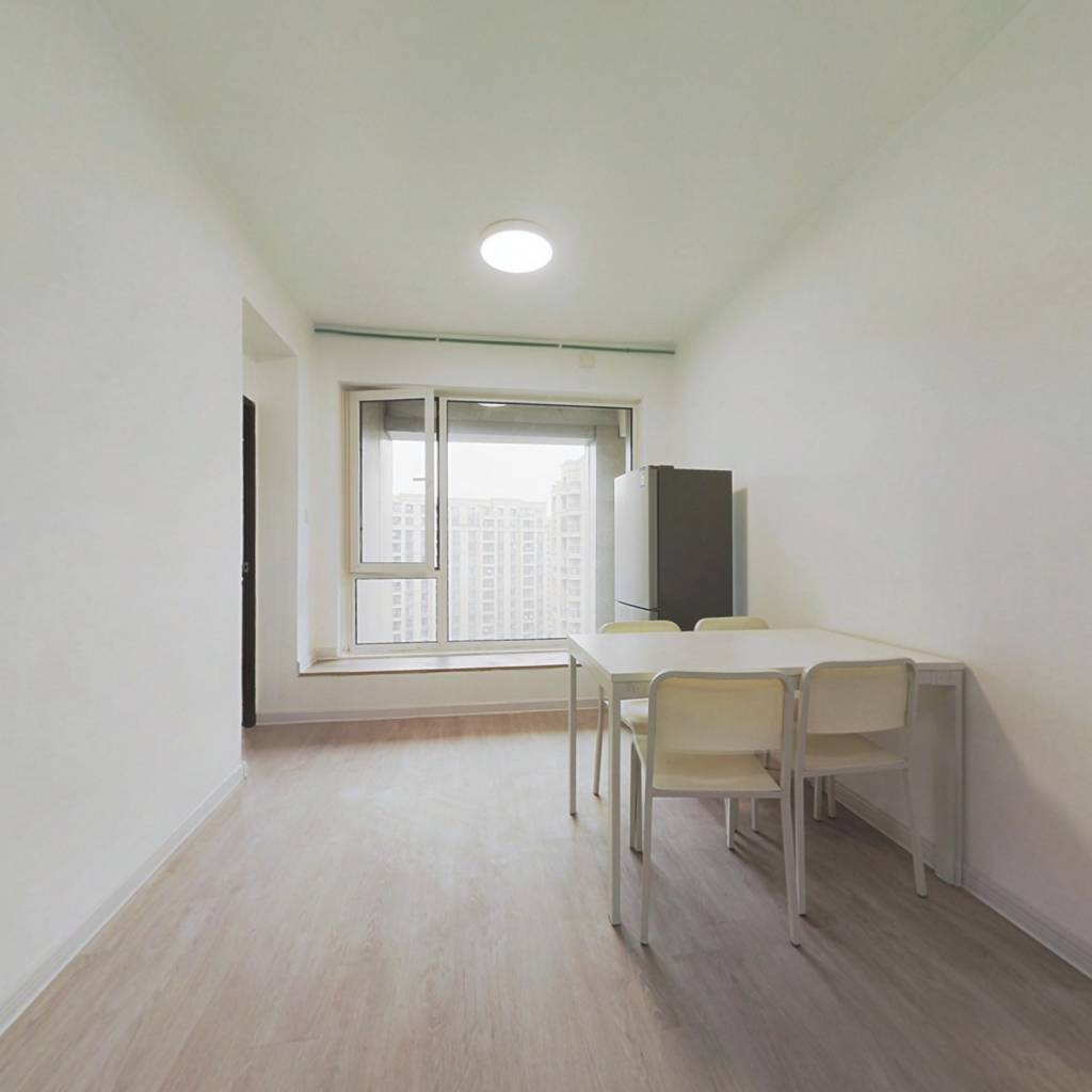 合租·金色黎明一期 4室1厅 南卧室图