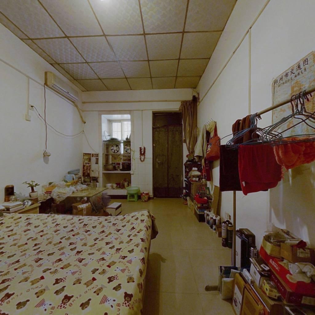 百文家属院 1室0厅 南