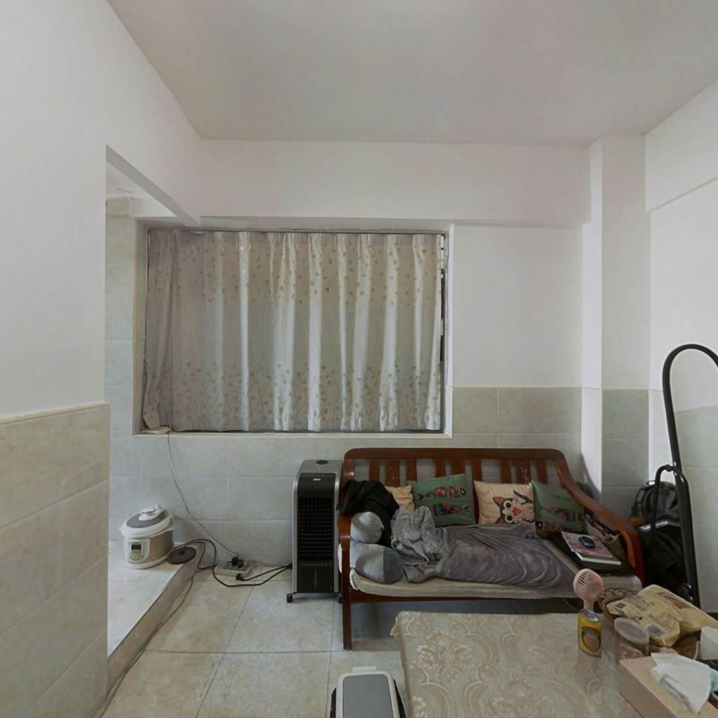 唐家湾港湾中 心小区,一房一厅 急售55万 可以看房