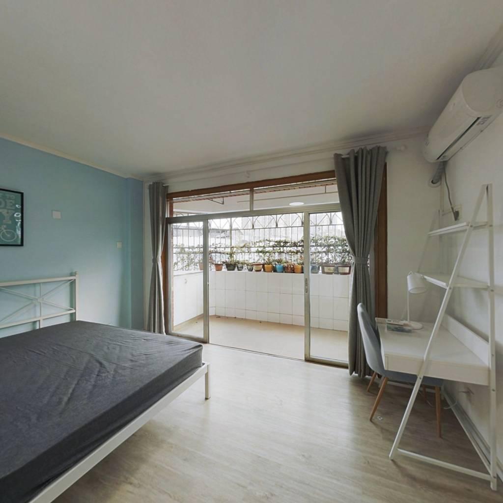 合租·千叶苑 5室1厅 南卧室图