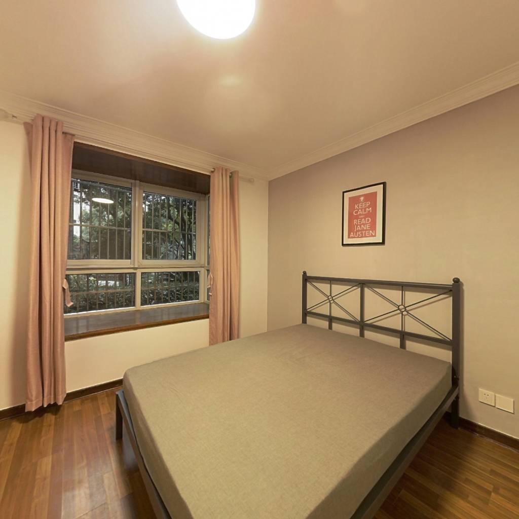 合租·豫欣公寓 3室1厅 南卧室图