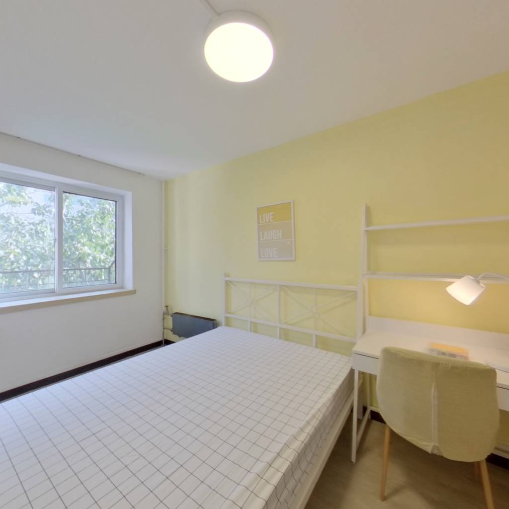 合租·潘家园小区 3室1厅 南卧室图