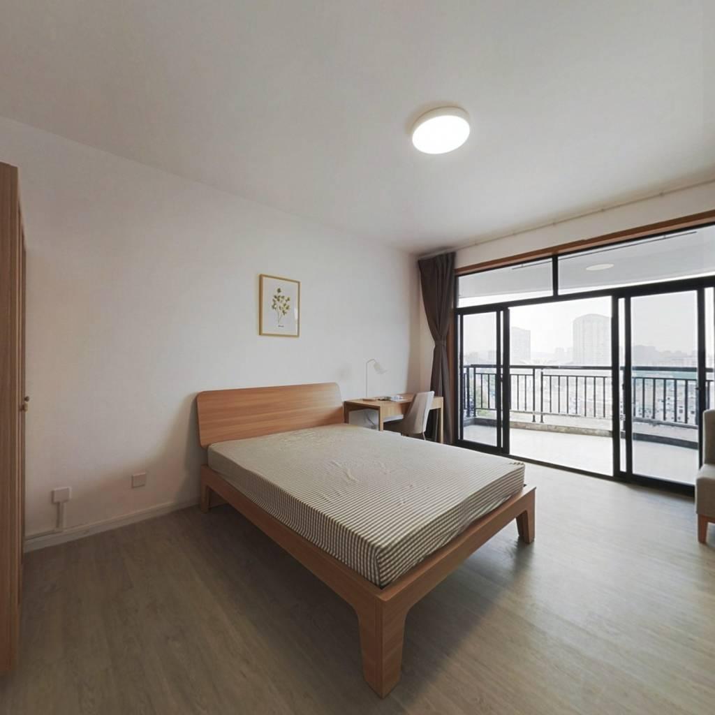 合租·临江花园 4室1厅 西卧室图