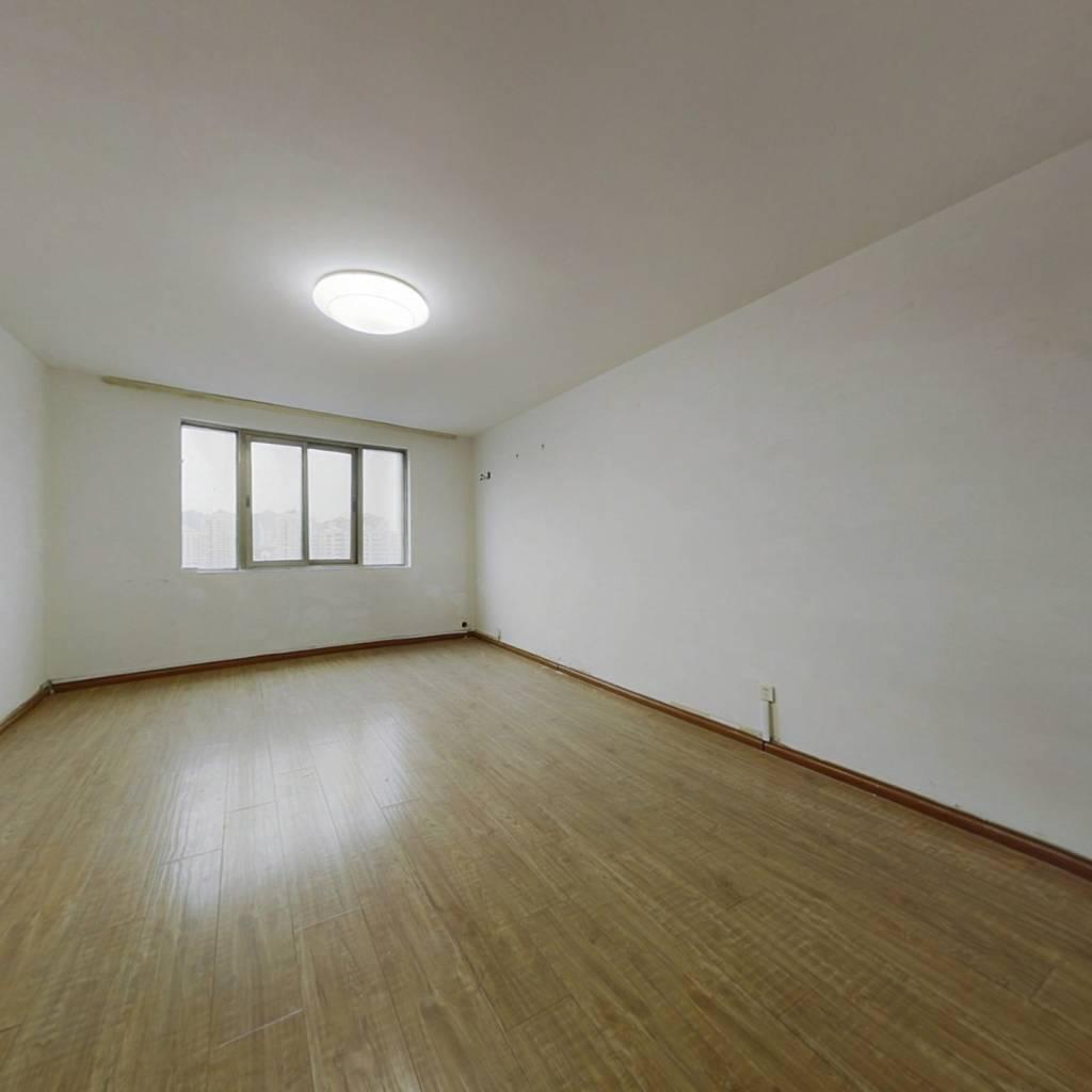 海悦  复式可分居  总价低  诚意卖 看房方便。