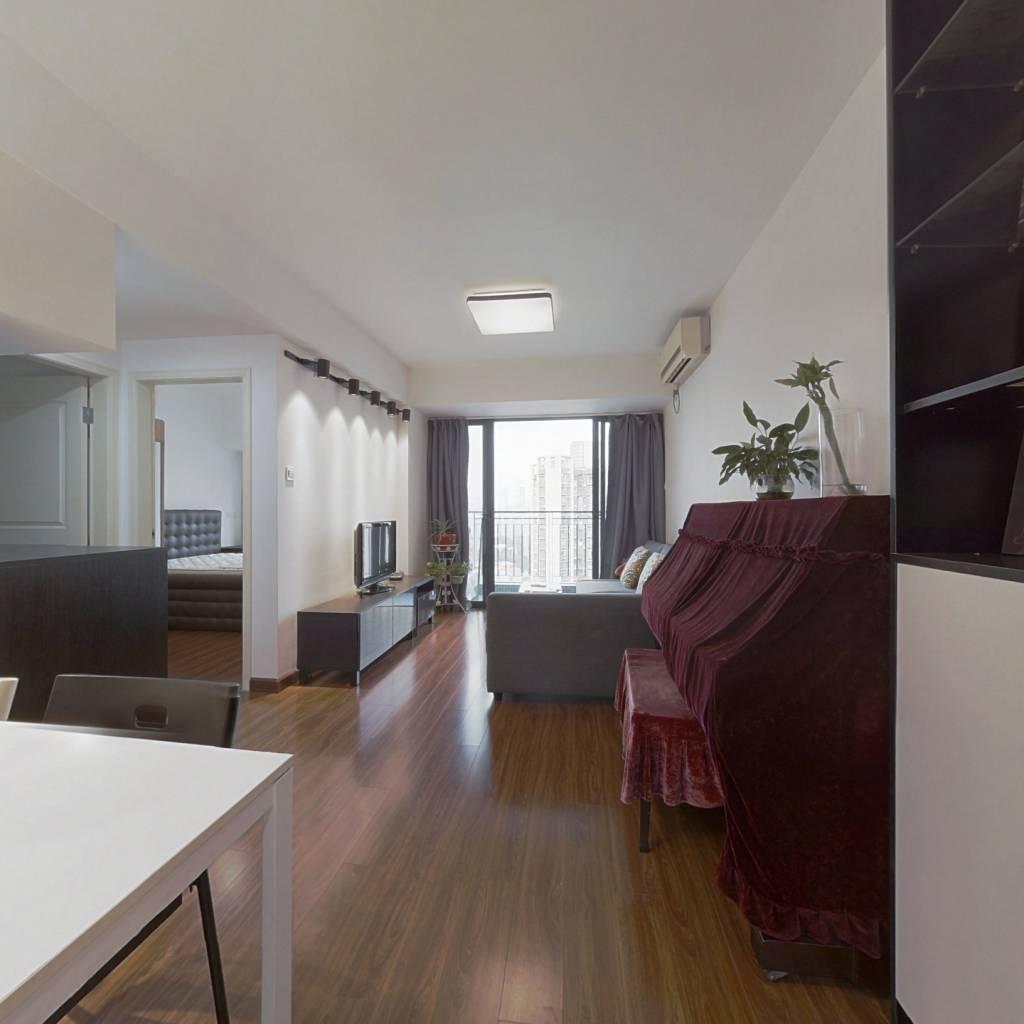 前海自贸区标准精装修厅出二房,高楼层采光充足