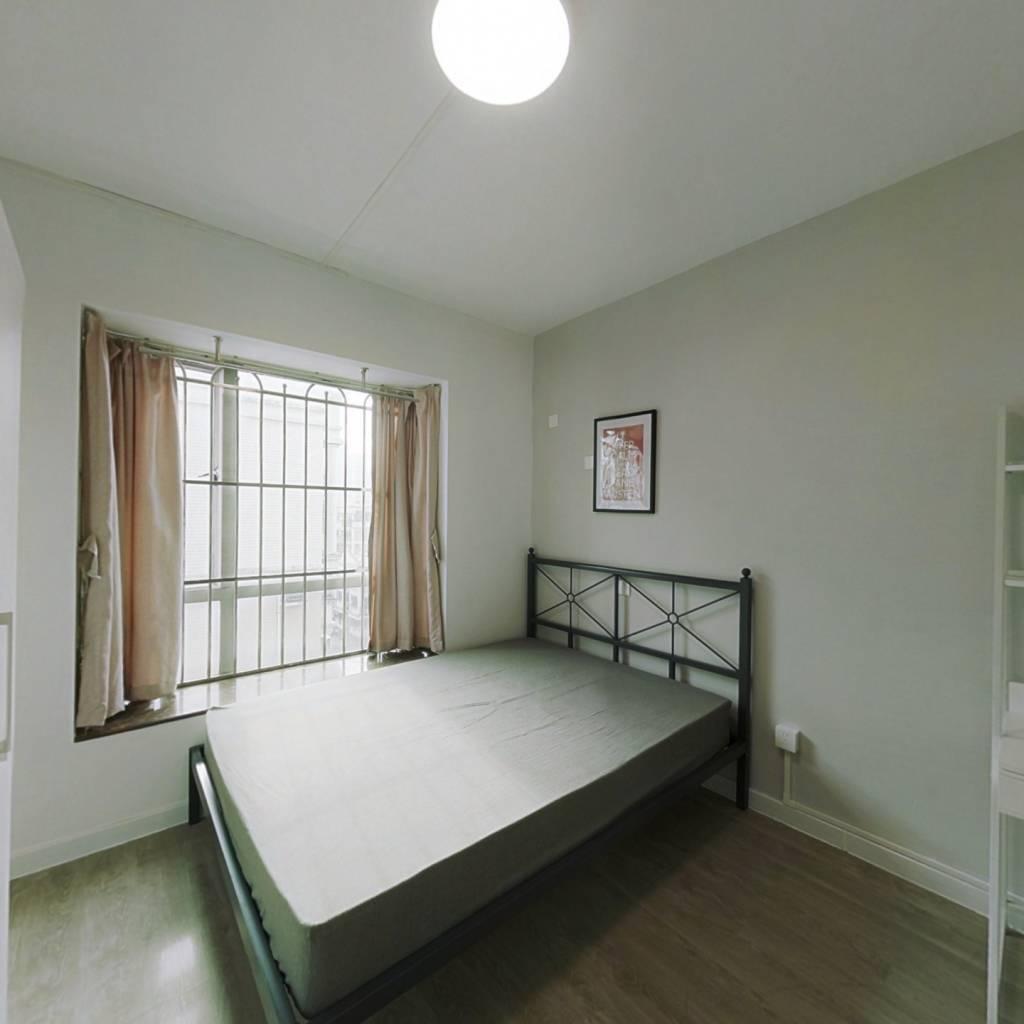 合租·云景花园云桂苑 4室1厅 东南卧室图