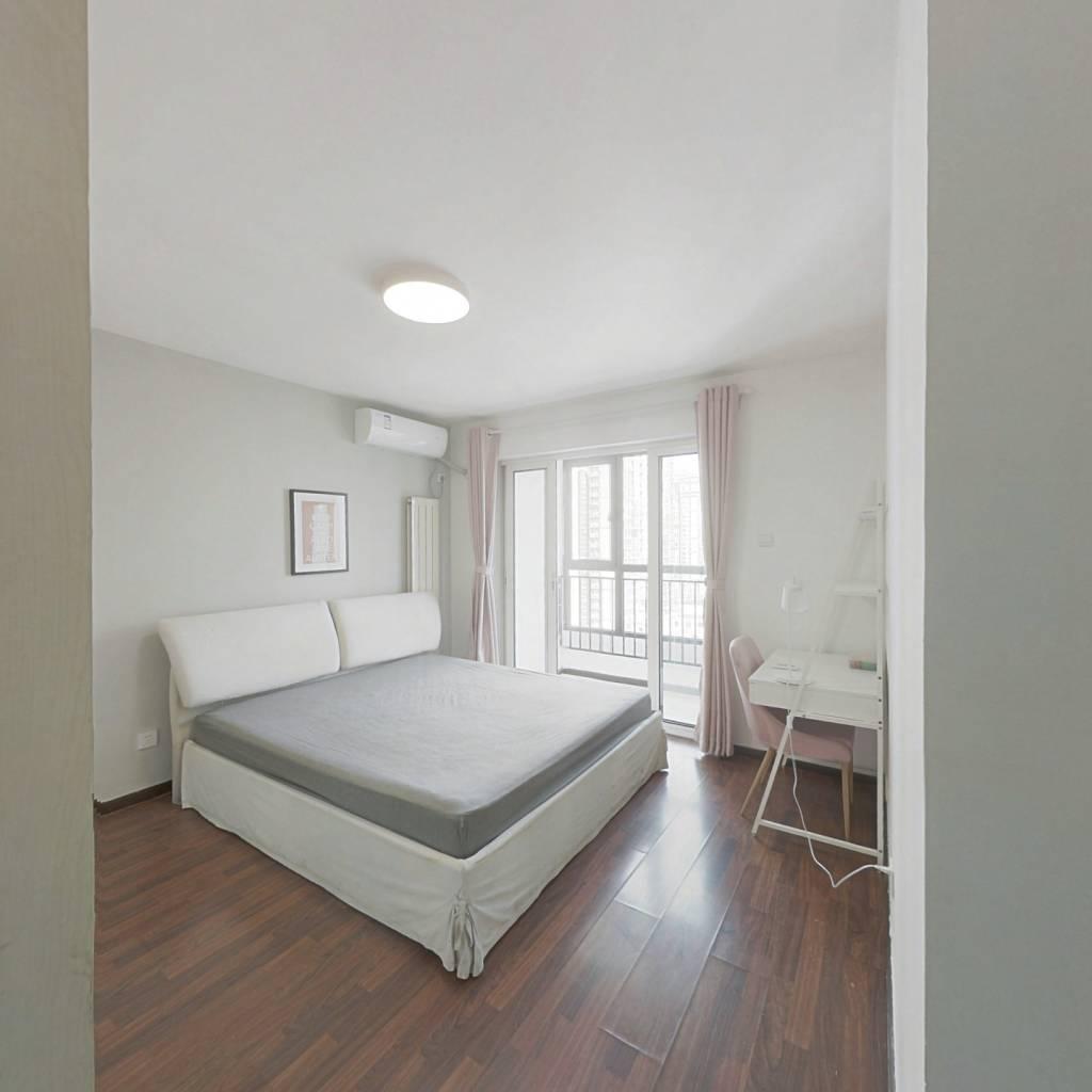 合租·风度柏林 4室1厅 东卧室图