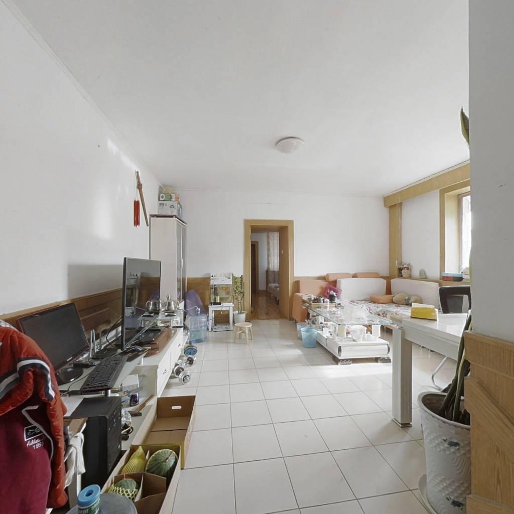 岔路街 中间楼层 正规两室 采光好 双气 生活便利