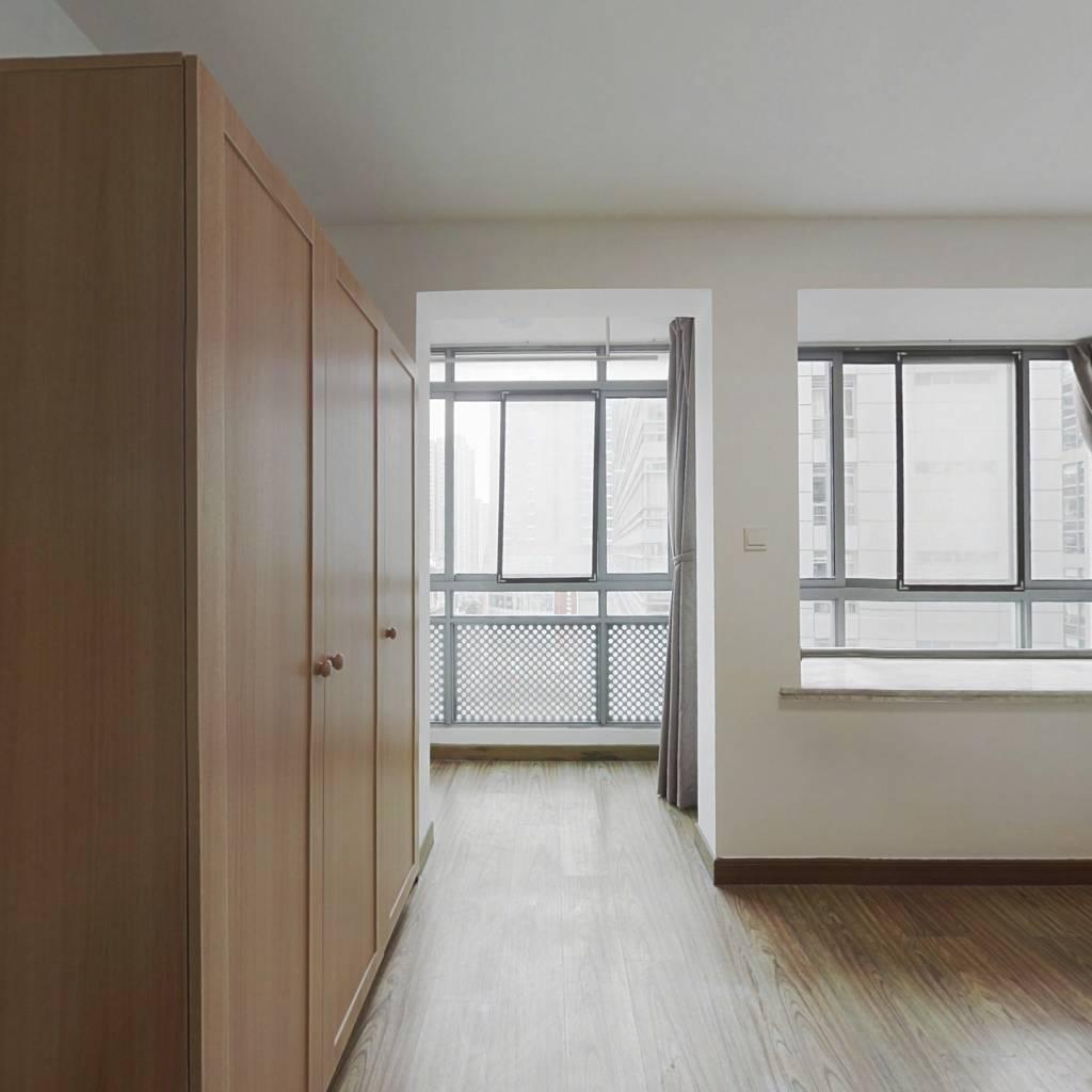 整租·圣天地服务式公寓 1室1厅 西卧室图