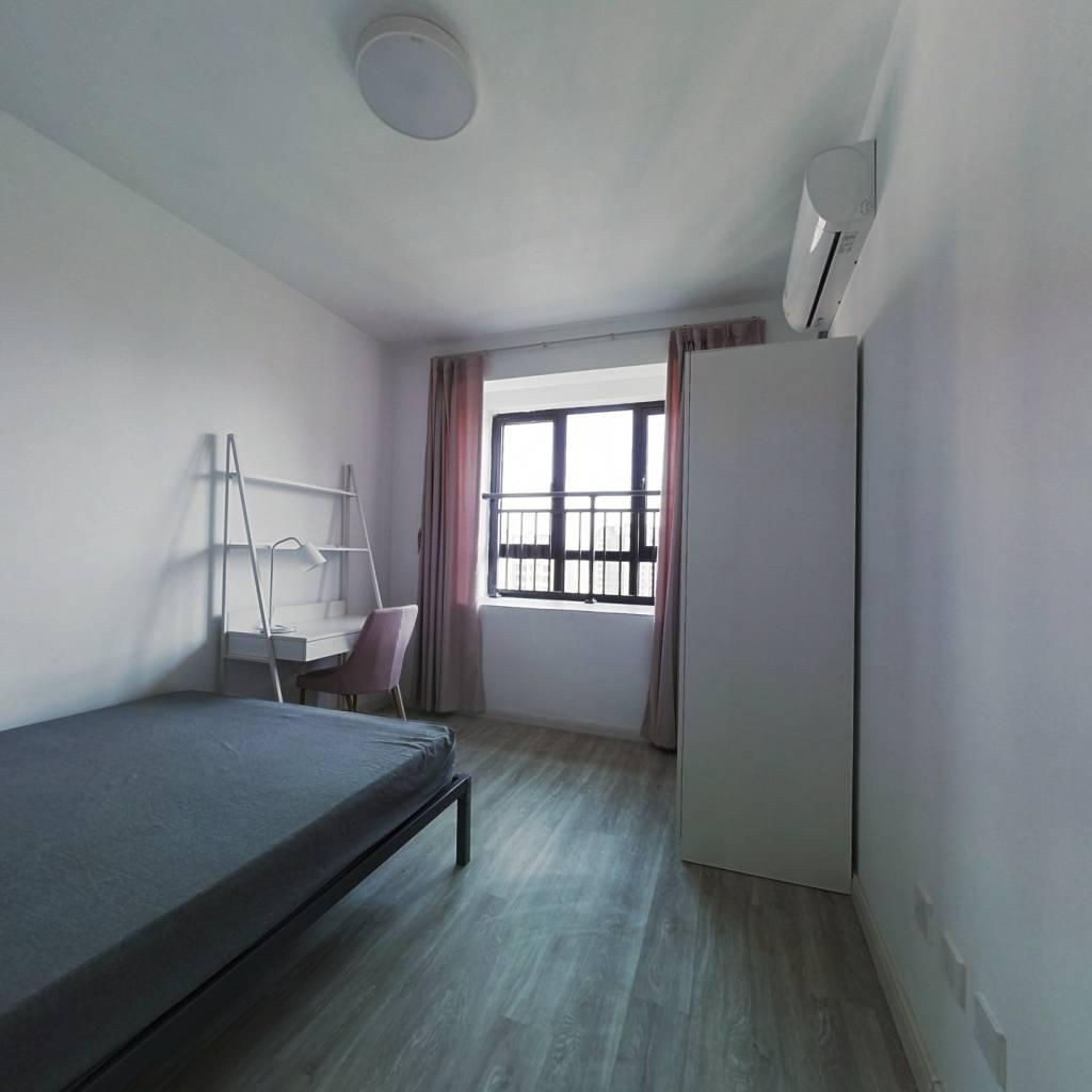 合租·光明尚海湾 4室1厅 东卧室图