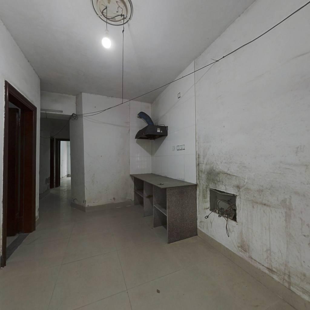 晋江清蒙开发区嘉龙现代城电梯5房