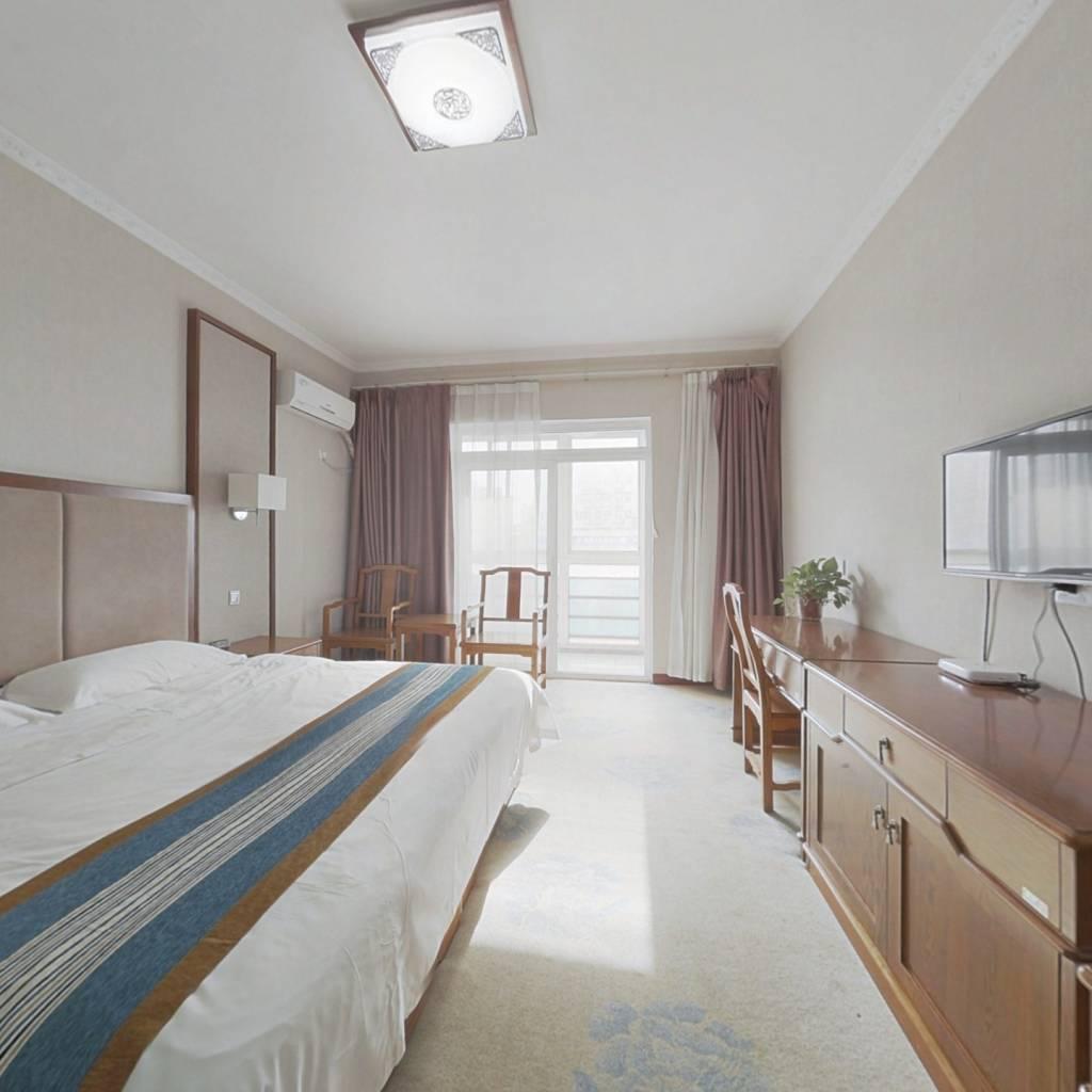 博士嘉园  70年单身公寓  拎包入住