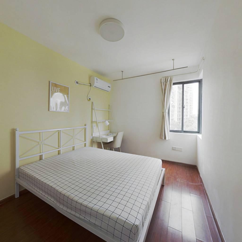 合租·金色雅园金涛苑 3室1厅 南卧室图