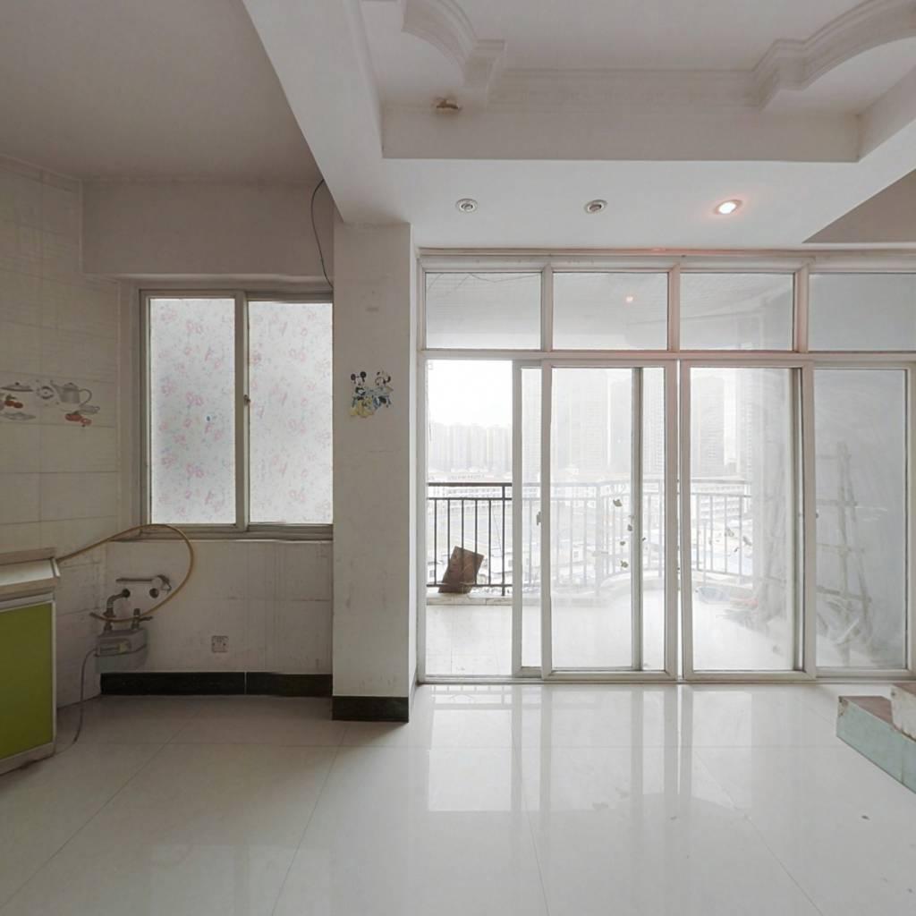 大沙田慧谷阳光,复式楼两房,业主诚售。
