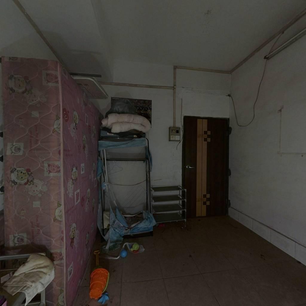 雅图花园 马赛克外墙 一房一厅 低总价