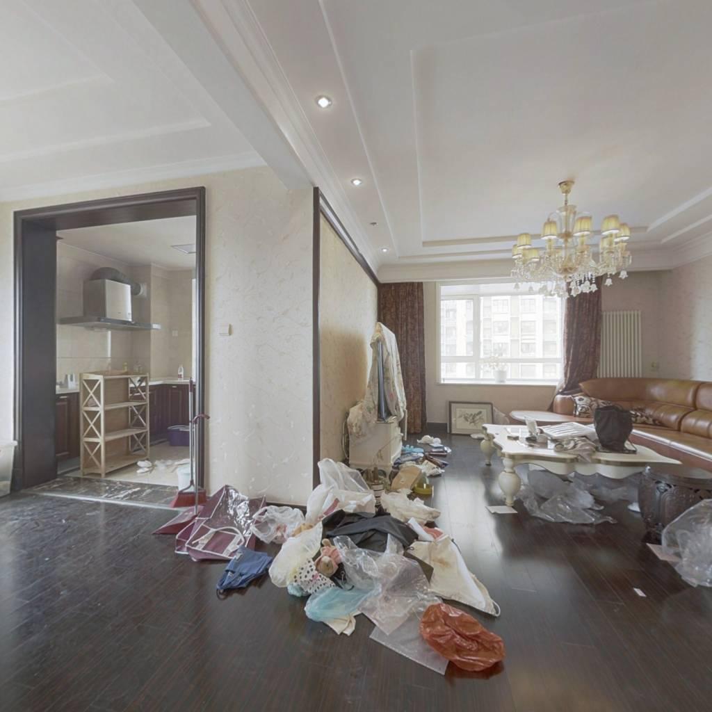 银座花园精装3室,环境好,小区棒。