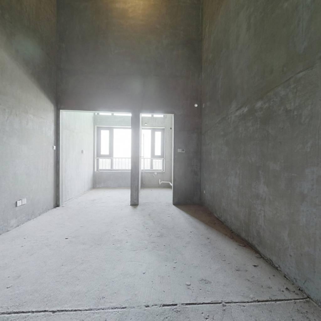 浐灞四小门口,恒大江湾洋房社区40年4.8米oft现房