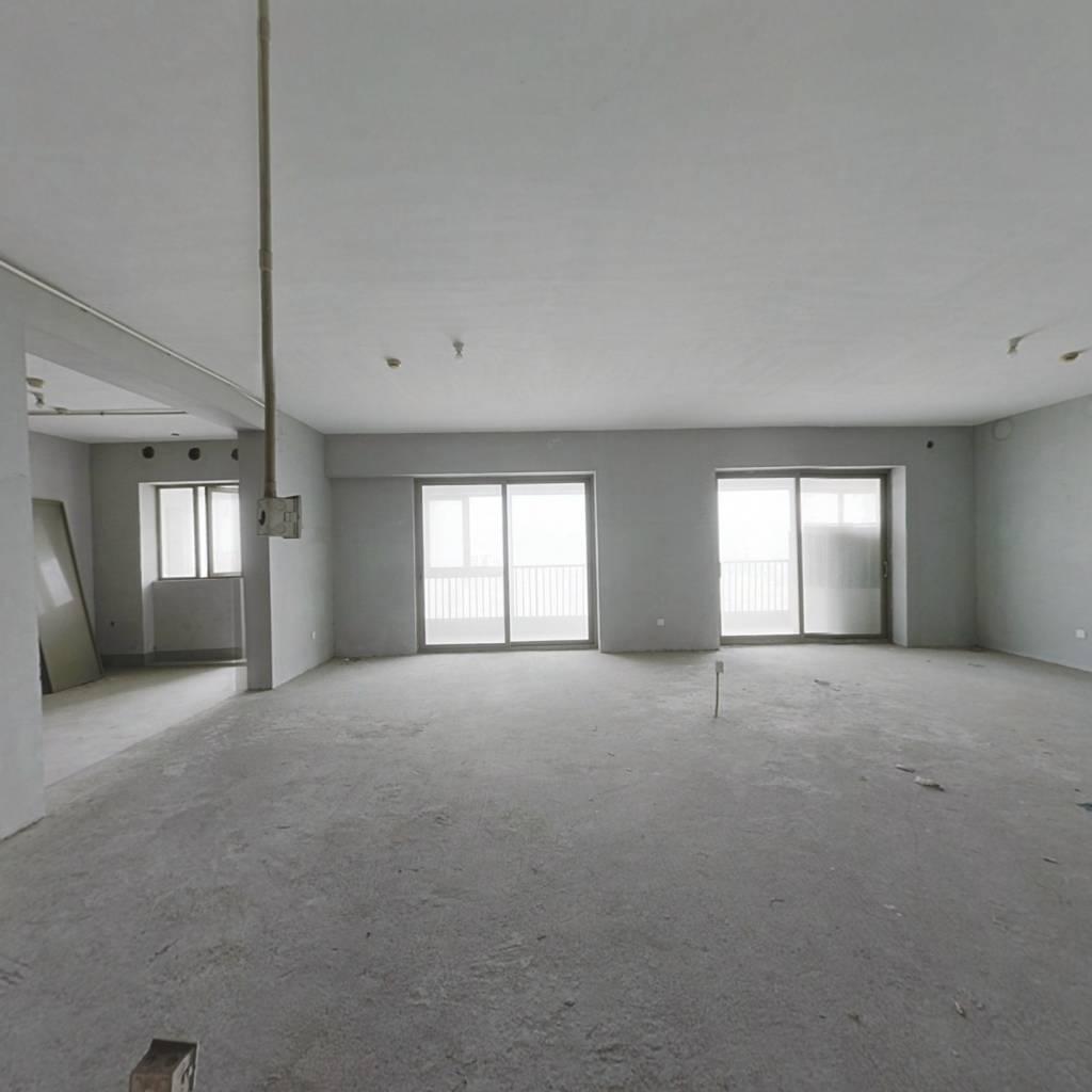 世茂茶亭俪园 6室3厅 东南 北 东 南