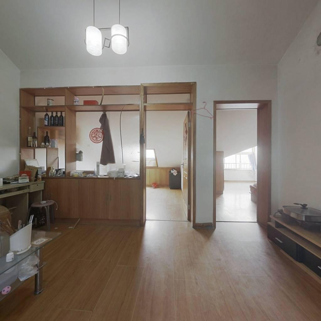 翠湖小区仓储性质阁楼,单价低总价低,诚心出售