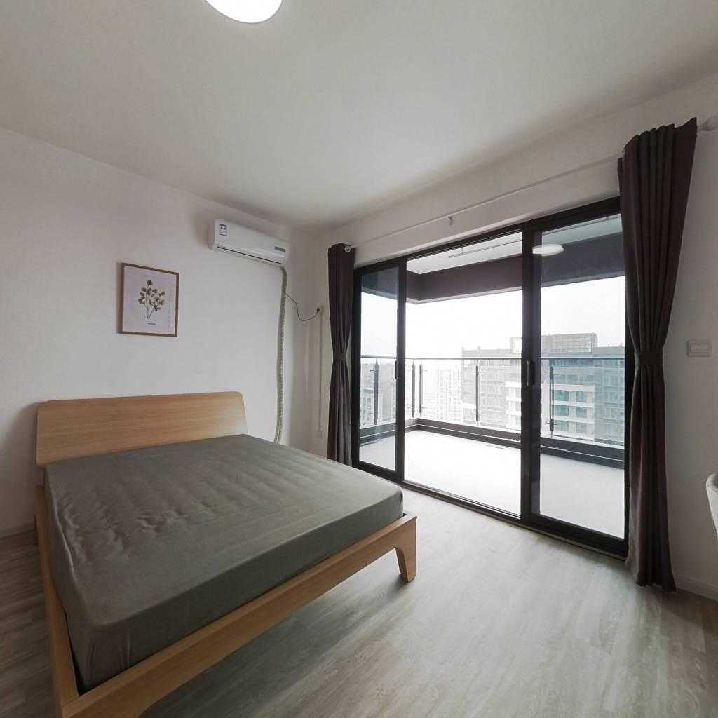 合租·人居盛和林语北区 4室1厅 西卧室图