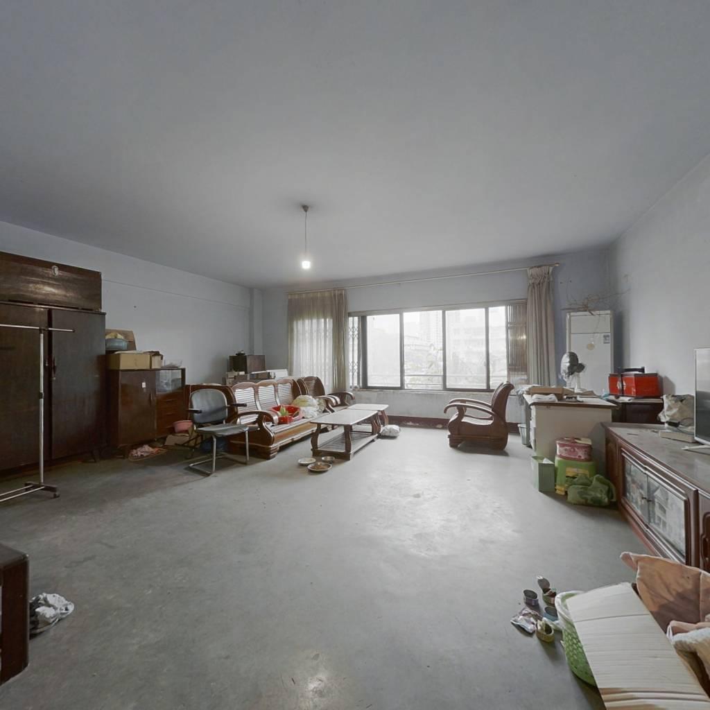 府南河边,客厅正对河,,环境清净