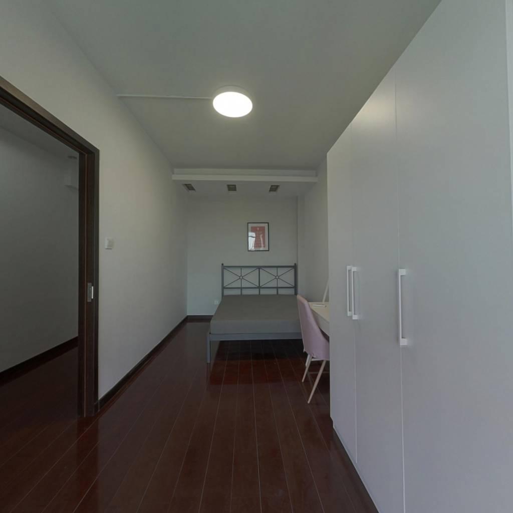 合租·世纪彩城 4室1厅 南卧室图