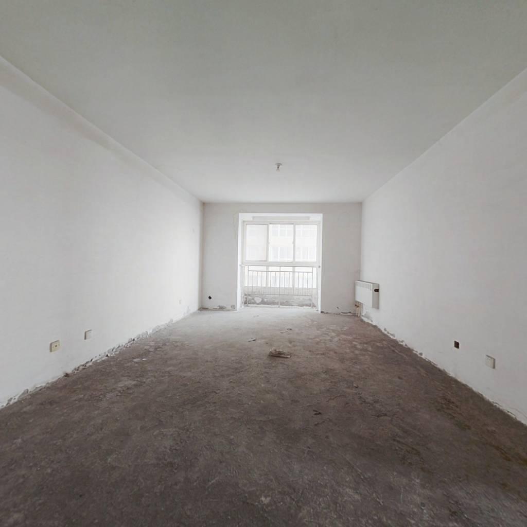 龙洲新城 3室1厅 东 北