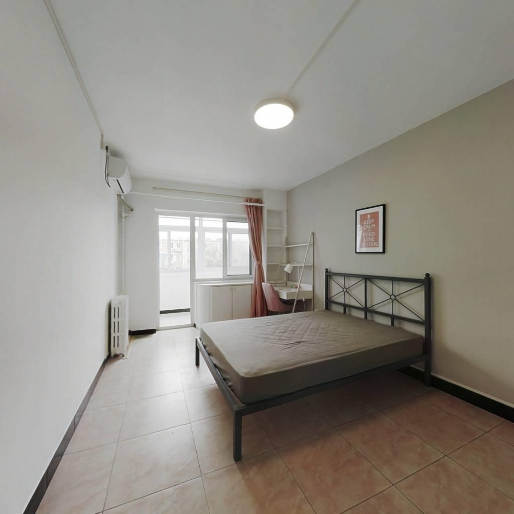 合租·紫竹院南路14号院 3室1厅 南卧室图
