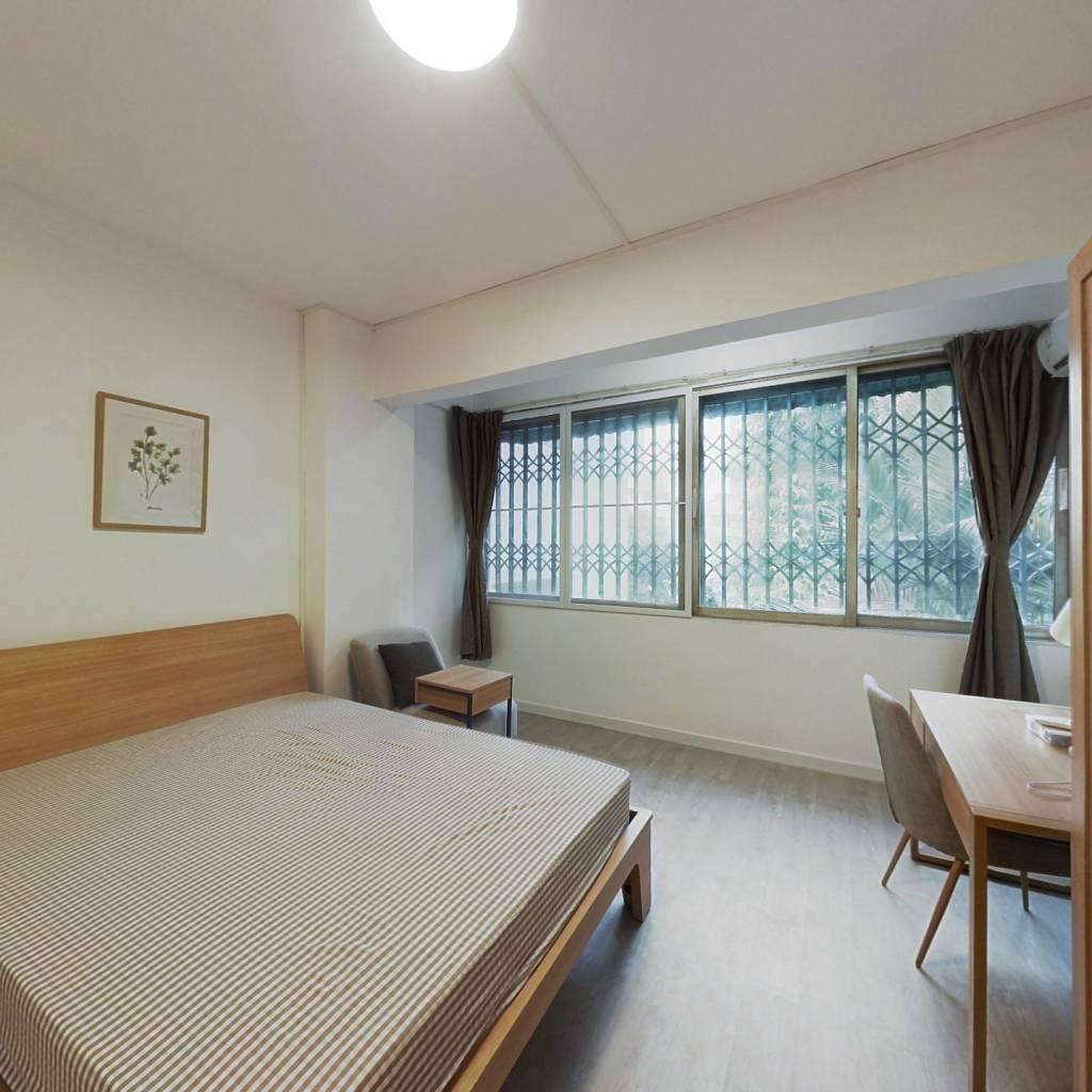 合租·德欣小区 3室1厅 南卧室图