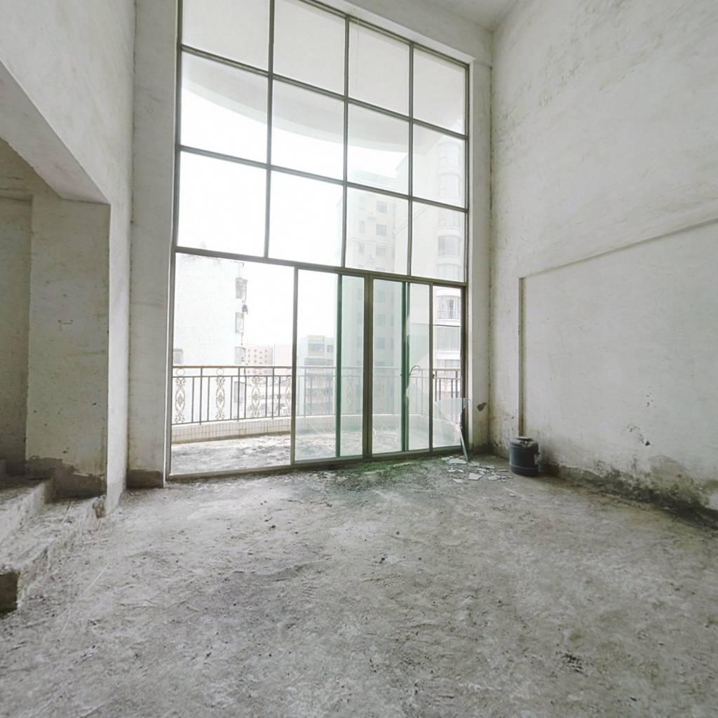 金河湾复式五房241平带天台仅售110万
