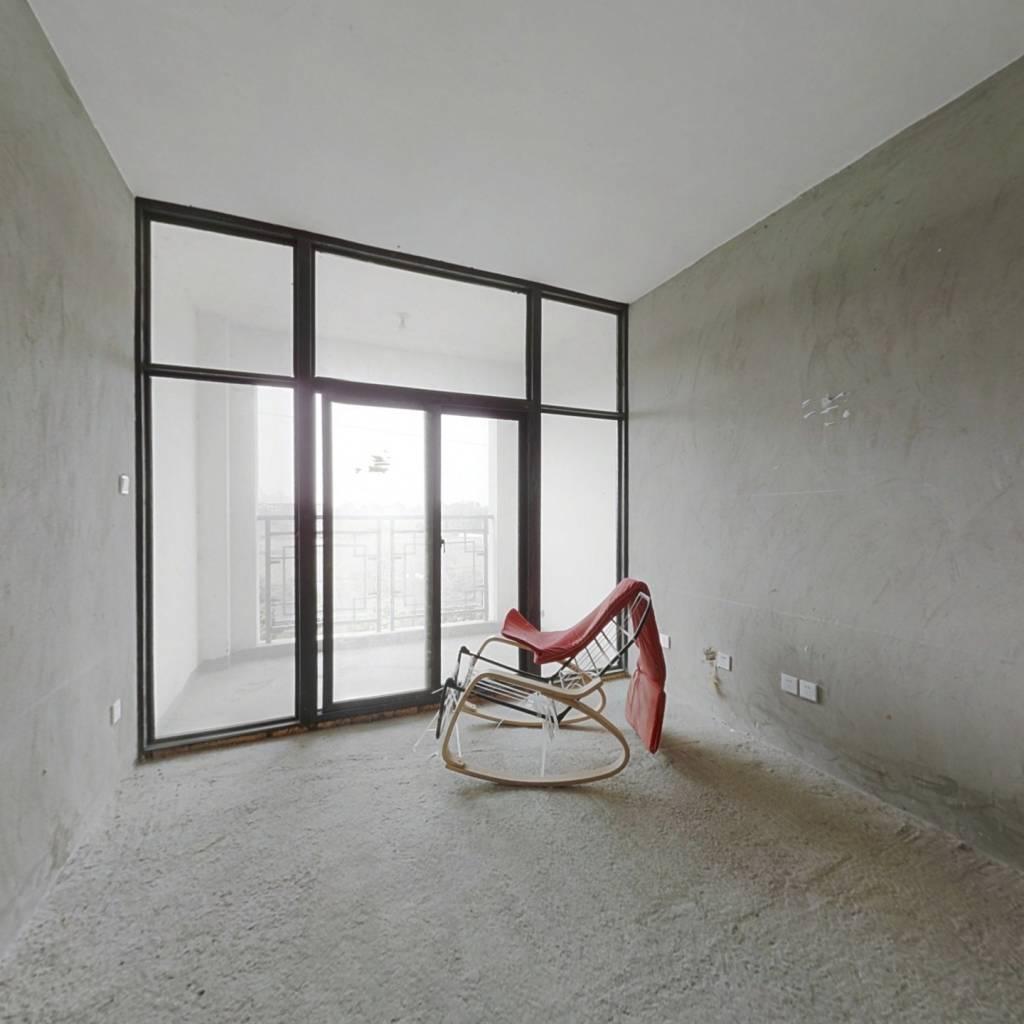 祥瑞府电梯小洋房,清水套一,中间楼层