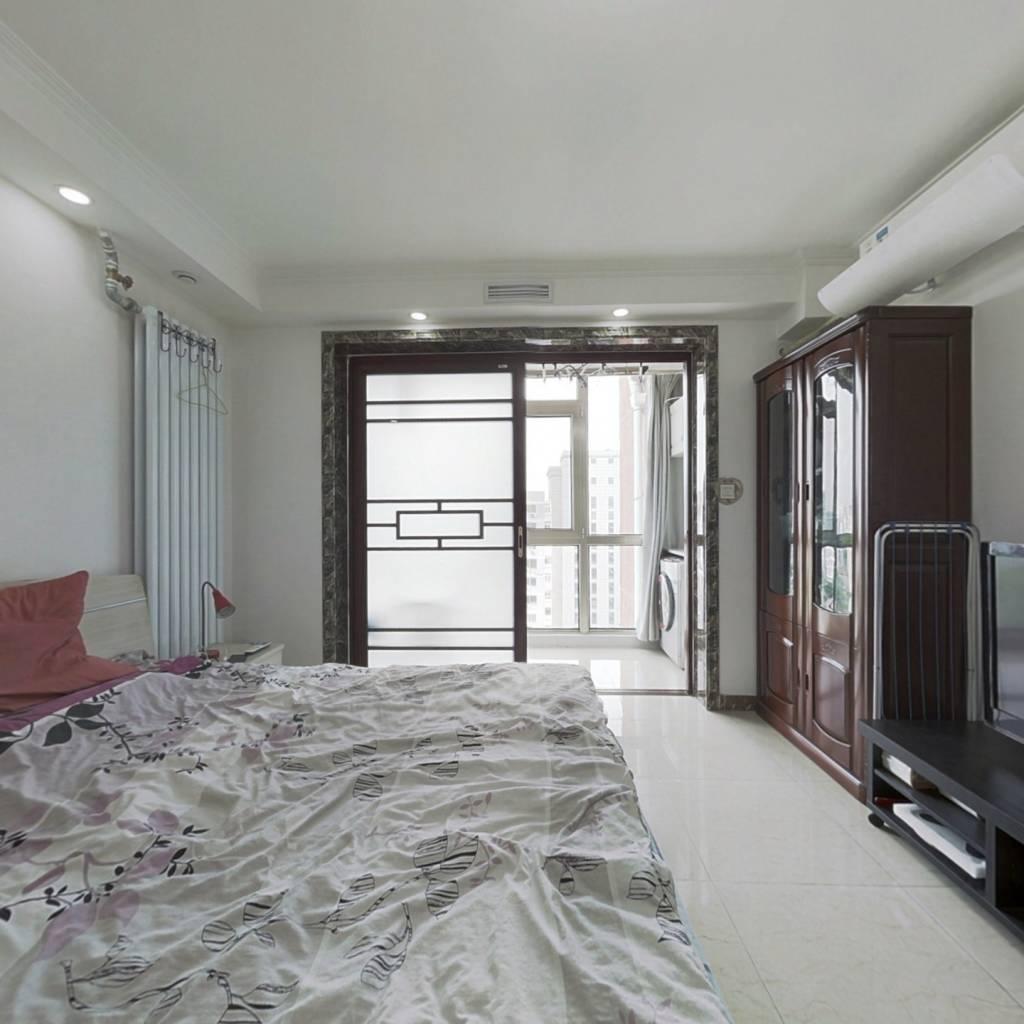六建小区钢混带电梯精装修三居室