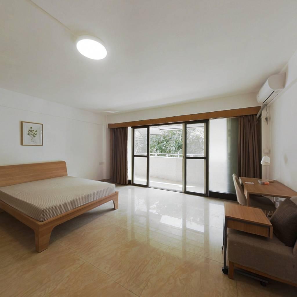 合租·东怡新区东倩园 4室1厅 南卧室图