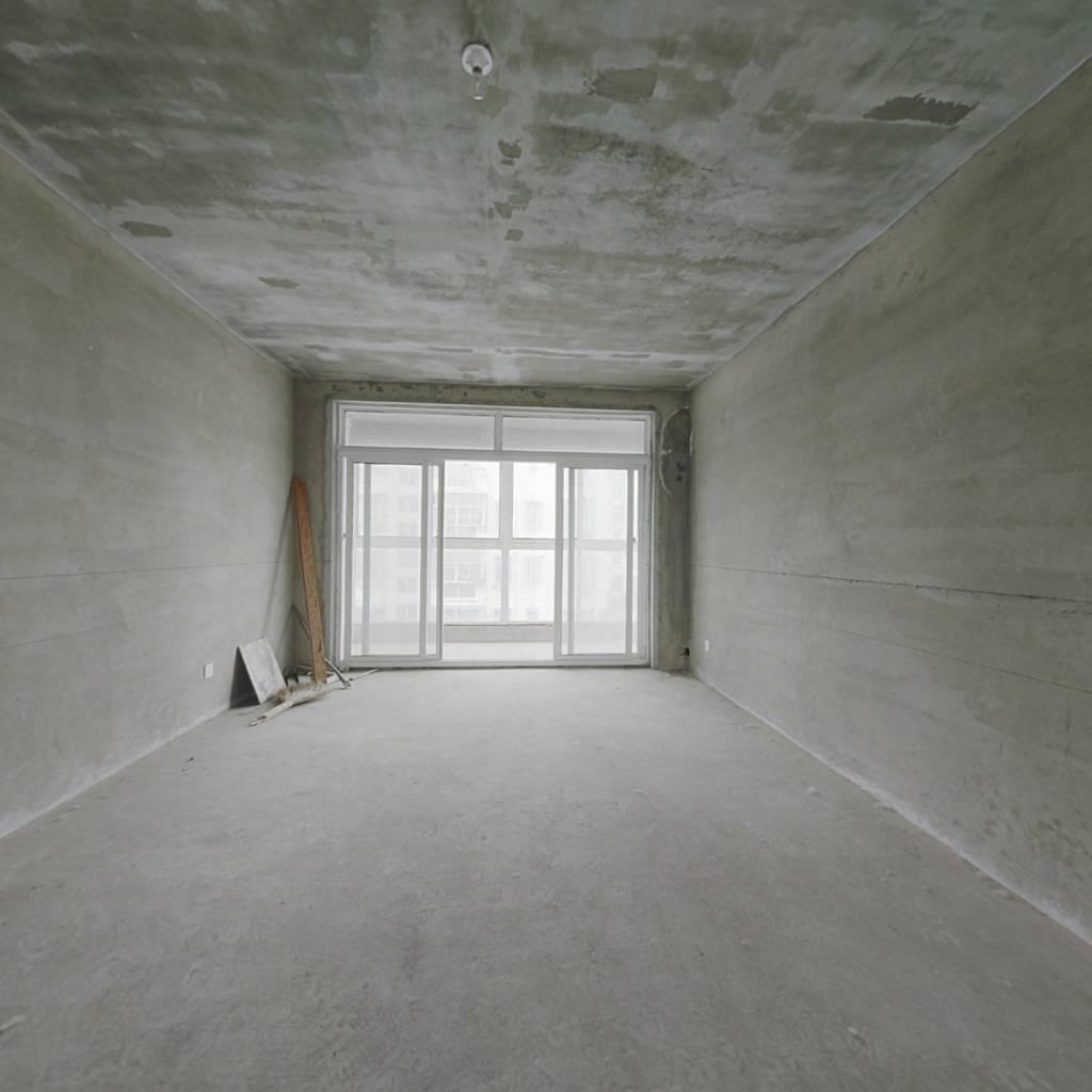 雨花石文化园 大三房 毛坯 好楼层 证满