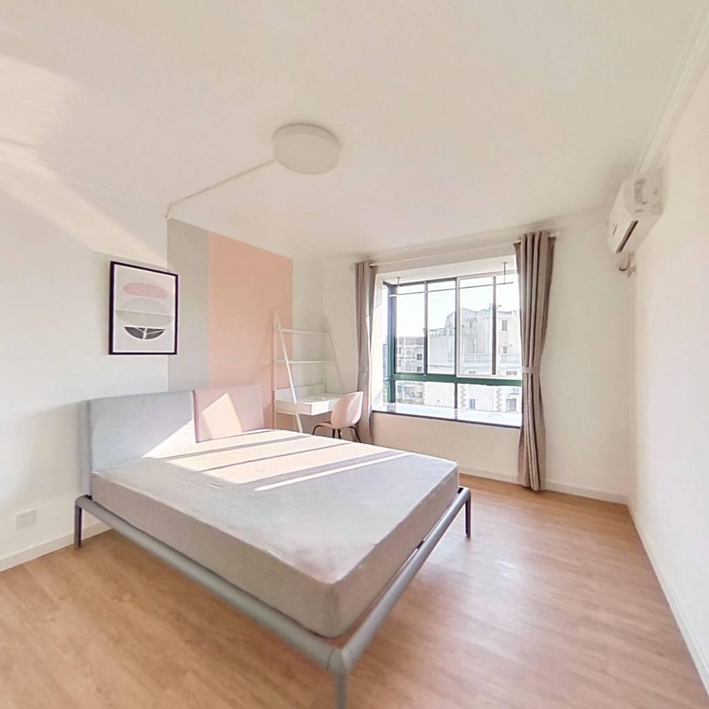合租·纯翠苑 5室2厅 南卧室图